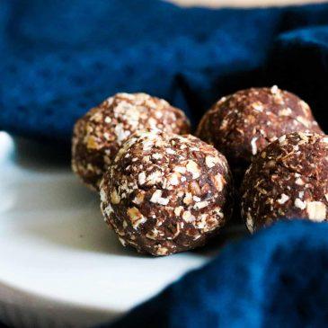 Cocoa, Oat & Pecan Ball