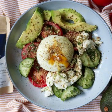 Middle Eastern Salad with Dukkah Recipe